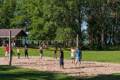 Young people playing volleyball Royalty Free Stock Photography