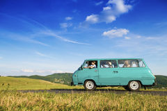 Young people on a road trip Royalty Free Stock Photos