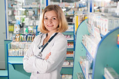 Young pharmcist in drugstore Royalty Free Stock Photography