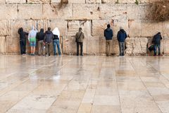 Young prayers at the Wailing wall in Jerusalem Stock Images