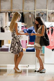 Young shoppers Royalty Free Stock Photography