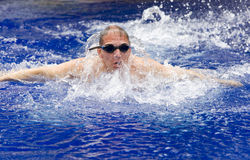 The young sports swimmer in pool Royalty Free Stock Images
