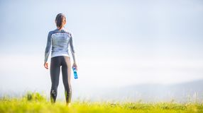Free Young Sporty Woman In Sportswear Turned Backwards Royalty Free Stock Photos - 158497598