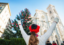 Young travel rejoicing to be in Florence on Christmas time Royalty Free Stock Photos