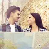 Young travelling couple hanging out together Royalty Free Stock Images