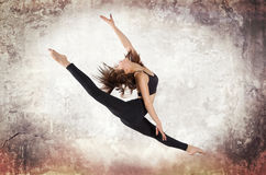Young woman ballet dancing Royalty Free Stock Photos