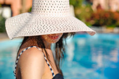 Young woman in big hat relaxing Royalty Free Stock Photos