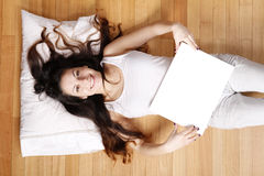 Young woman with a blank Canvas Royalty Free Stock Photos