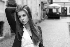 Young woman in the city Royalty Free Stock Photography