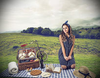 Young woman doing a pic nic Royalty Free Stock Images