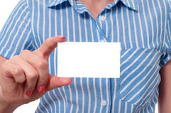 Young woman holding blank business card Royalty Free Stock Photos