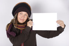 Young woman holding the blank card Royalty Free Stock Photos