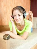 Young woman listen to the music Royalty Free Stock Images