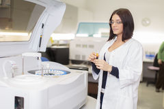 Young woman in medical laboratory Royalty Free Stock Photos
