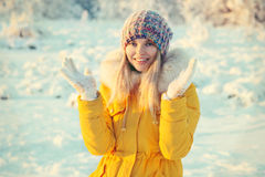 Young Woman Outdoor Winter Lifestyle Royalty Free Stock Images