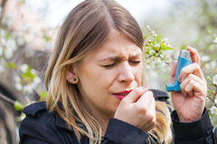 Young woman with pollen allergy problems Royalty Free Stock Images