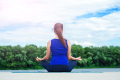 Young woman practicing advanced yoga02 Royalty Free Stock Images