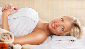 Young woman relaxing at the spa center Royalty Free Stock Photography