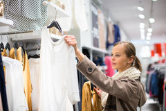 Free Young Woman Shopping In A Fashion Store Stock Photography - 64281762