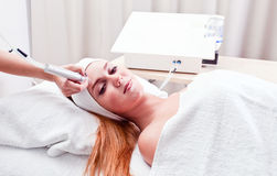 Young woman in spa clinic Royalty Free Stock Photos