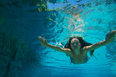 Young woman underwater Royalty Free Stock Images