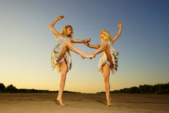 Young women dancing Royalty Free Stock Image