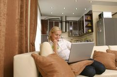 Young women with laptop Royalty Free Stock Photography
