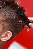 Youngman im Friseursalon Lizenzfreies Stockfoto