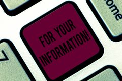 For Your Information för handskrifttexthandstil Begreppet som betyder information, delas och att inget nödvändigt tangentbord för royaltyfri bild