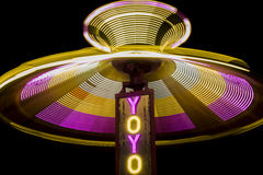 YoYo Swing Ride Spinning alla notte Fotografie Stock