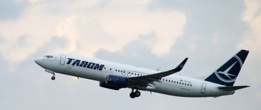 YR-BGL TAROM Boeing 737-8H6WL is leaving amsterdam schiphol airport in the Netherlands Royalty Free Stock Photos