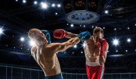 Yrkesmässig askmatch Blandat massmedia Arkivfoto