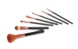 Yrkesmässig borsteuppsättning för makeup Isolerat på vitbakgrunden Arkivbilder