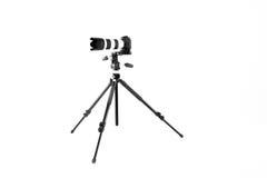 Yrkesmässig kamera på en tripod Fotografering för Bildbyråer