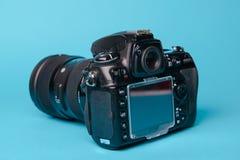 Yrkesmässig modern DSLR-kamera Arkivfoto
