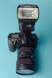 Yrkesmässig modern DSLR-kamera Royaltyfria Foton