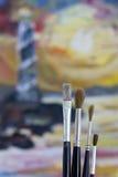 Yrkesmässig samling av målarfärgborstar Arkivbilder