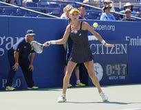 Yrkesmässig tennisspelare Agnieszka Radwanska under den första runda matchen på US Open 2014 Arkivbilder