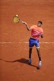 Yrkesmässig tennisspelare Nick Kyrgios av Australien i handling under hans tredje runda match på Roland Garros 2015 Royaltyfri Bild