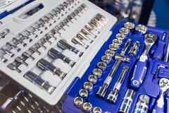 Yrkesmässig toolbox, huvud och spärrhjulcloseup arkivbilder
