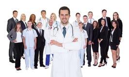 Yrkesmässig sjukhuspersonal Arkivfoto