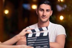 Yrkesmässig skådespelare Ready för en fors Arkivfoto