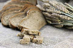 Żyto chleb i ucho stół Obrazy Stock