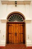 Ytterdörr av beskickningen San Luis Rey fotografering för bildbyråer