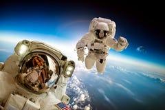 ytterkant avstånd för astronaut royaltyfri foto