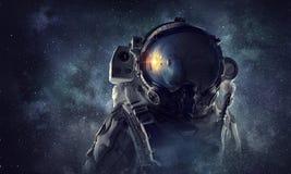 ytterkant avstånd för astronaut Blandat massmedia royaltyfri bild