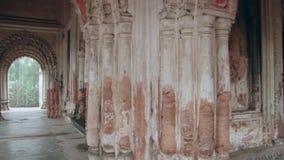 Yttersida av Bhubaneshwaren Shiva Temple i Puthia, Bangladesh lager videofilmer