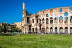 Yttersida av Colosseum i Rome Italien arkivbild