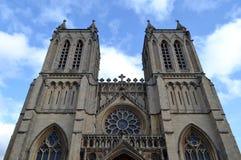 Yttersida av den Bristol domkyrkan Arkivfoton
