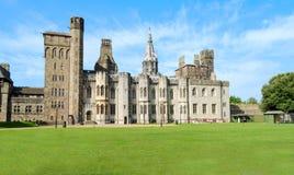 Yttersida av den Cardiff slotten – Wales, Förenade kungariket Arkivbild
